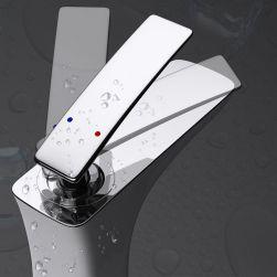 Baterie lavoar 1098 W, montaj pe lavoar, finisaj emailat Alb, perlator aer, design deosebit
